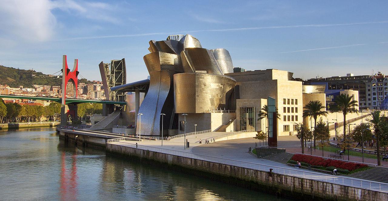 Museo Guggenheim Bilbao. Foto Wikimedia. - arquitectura actual