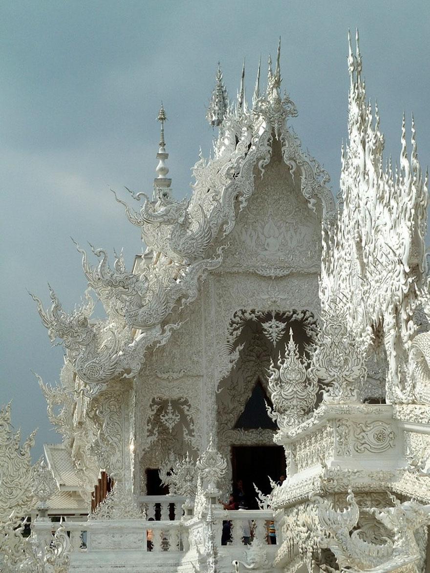 El Templo Blanco de Tailandia que parece que se ha caido del cielo 1