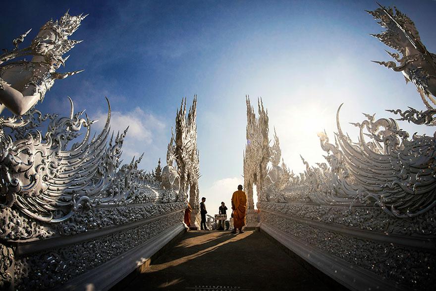 El Templo Blanco de Tailandia que parece que se ha caido del cielo 5