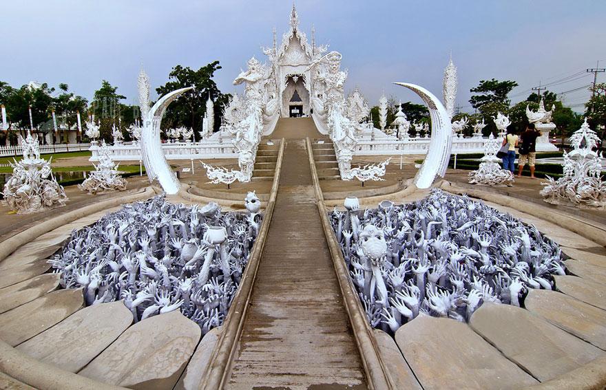 El Templo Blanco de Tailandia que parece que se ha caido del cielo 6