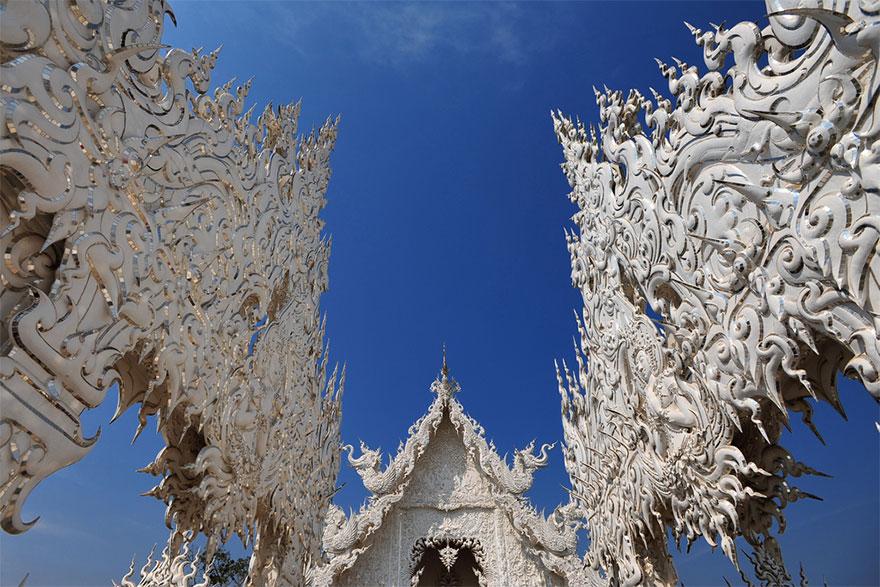 El Templo Blanco de Tailandia que parece que se ha caido del cielo 7