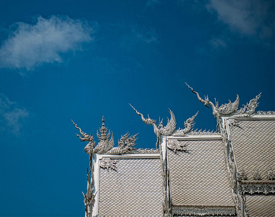 El Templo Blanco de Tailandia que parece que se ha caido del cielo 9