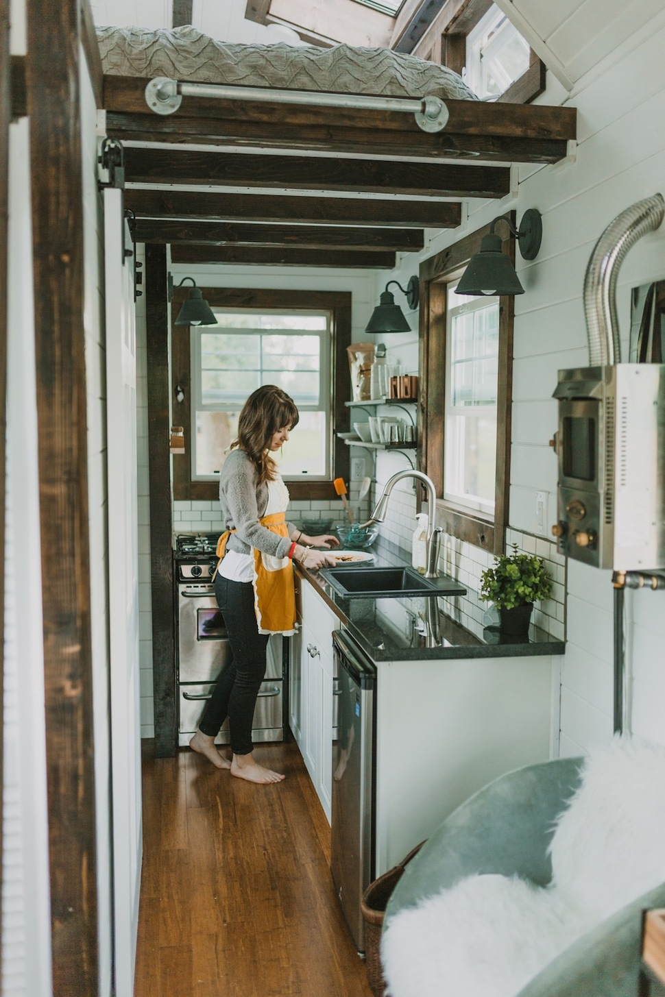 Casa con ruedas con un interior muy sorprendente - Fotos de casas de madera por dentro ...
