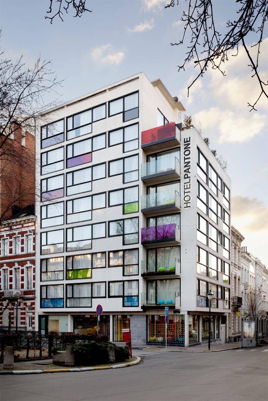 Un hotel en Bruselas te brinda la oportunidad de dormir en tus pantones preferidos 1