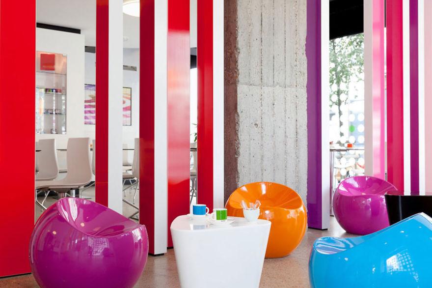 Un hotel en Bruselas te brinda la oportunidad de dormir en tus pantones preferidos 8