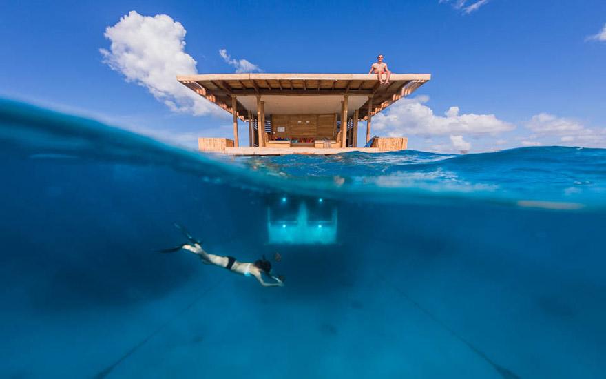 Un hotel flotante en Zanzibar que te permite dormir junto a los peces 1