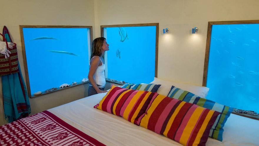 Un hotel flotante en Zanzibar que te permite dormir junto a los peces 5