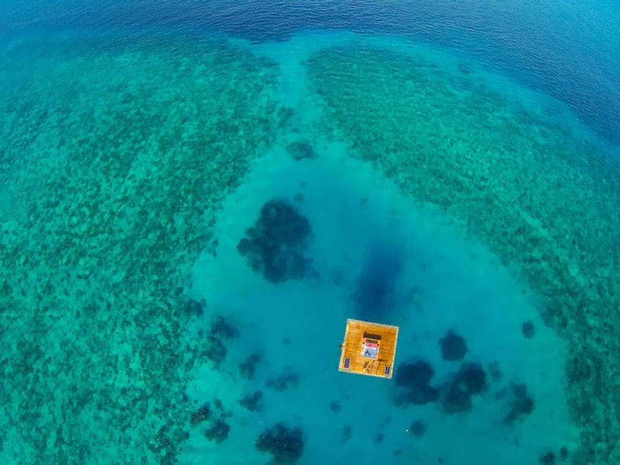 Un hotel flotante en Zanzibar que te permite dormir junto a los peces 8