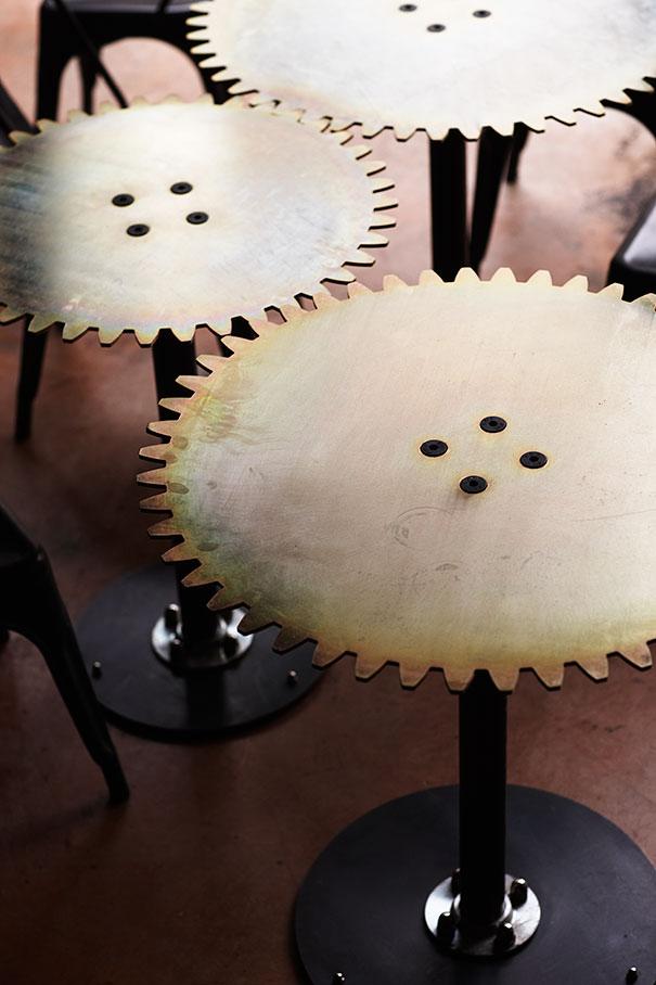Alucinante decoracion steampunk en una cafetería de Sudafrica 9