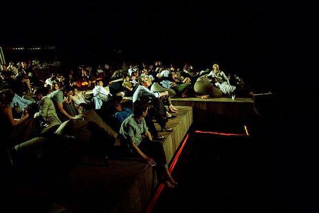El cine que flota en el agua ya es una realidad 6