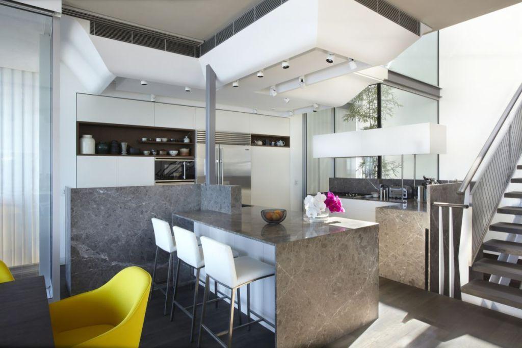 Esta casa frente al mar aprovecha su diseño moderno para adaptarse al paisaje 2