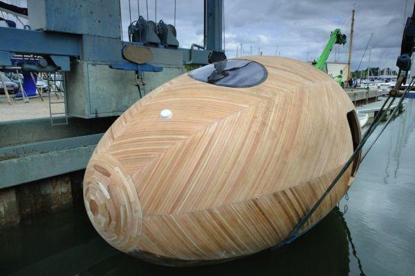 Exbury Egg, la casa con forma de huevo que flota y que sirve como centro de investigación 3