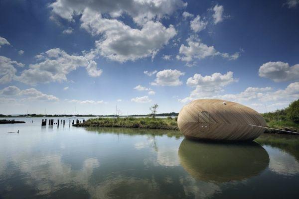Exbury Egg, la casa con forma de huevo que flota y que sirve como centro de investigación 7