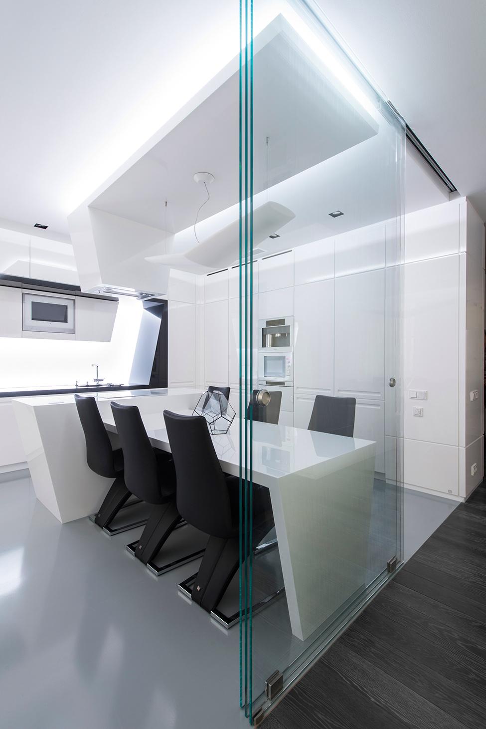 Geometria en blanco y negro en un apartamento de Moscu 10