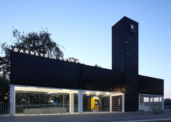 Increíble estación de tren de Holanda hecha con contenedores 9