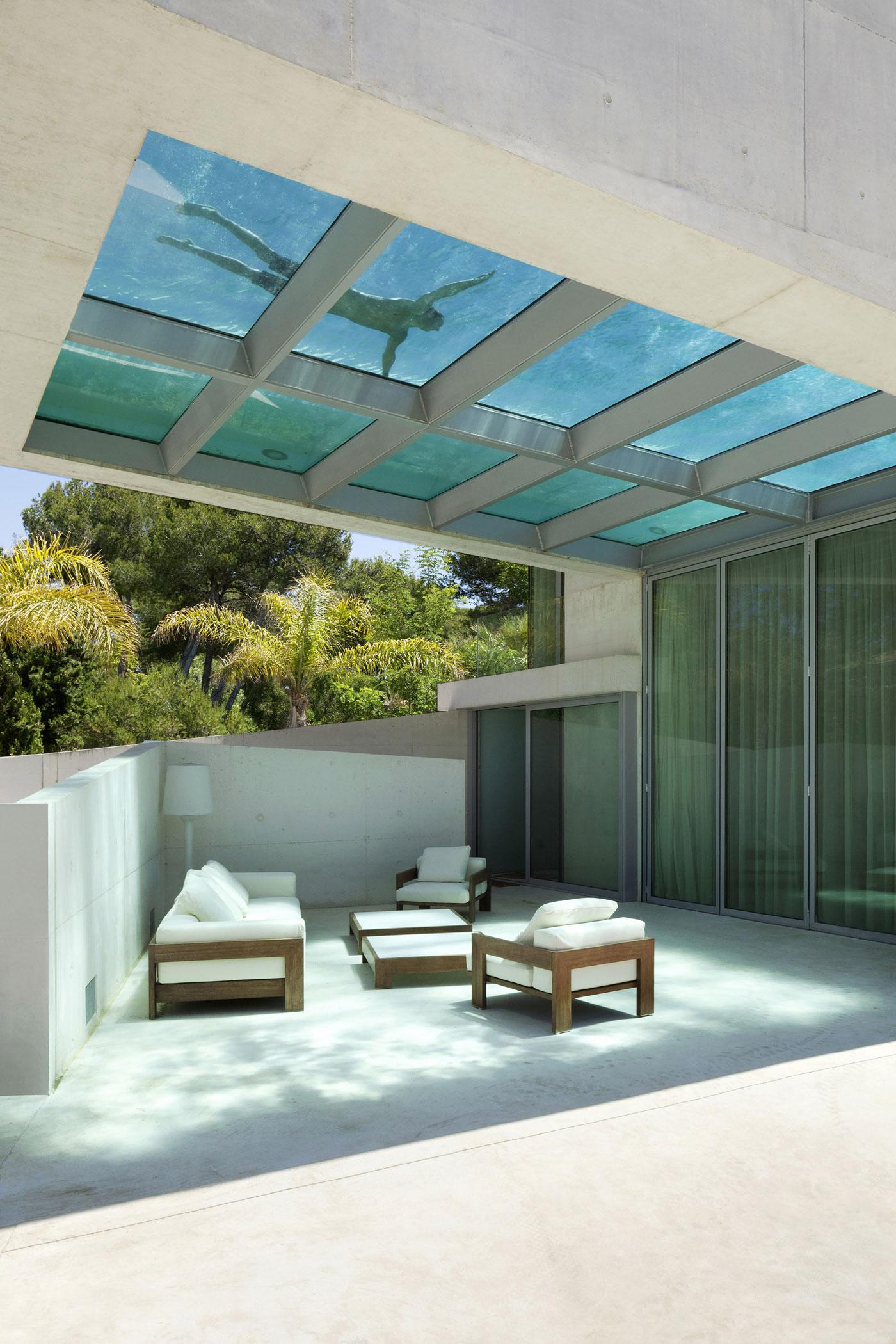 Jellyfish House, espectacular residencia con terraza en la azotea y piscina infinita 13