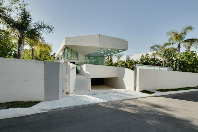Jellyfish House, espectacular residencia con terraza en la azotea y piscina infinita 2