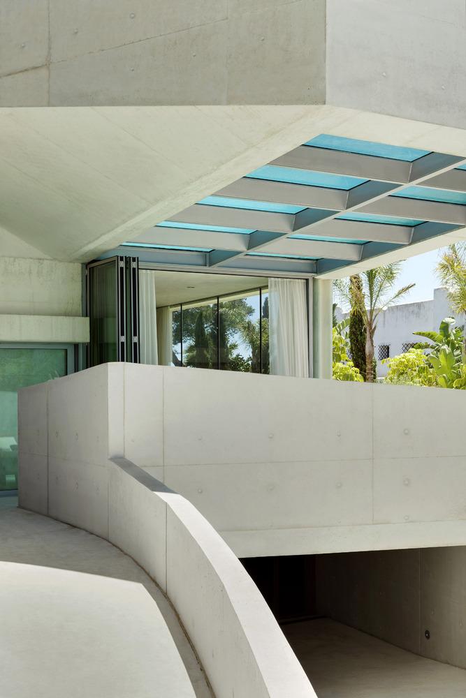 Jellyfish House, espectacular residencia con terraza en la azotea y piscina infinita 3