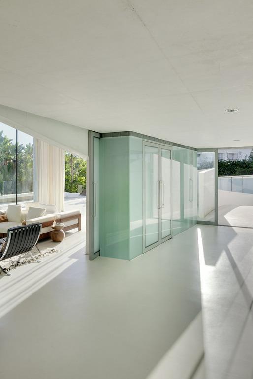 Jellyfish House, espectacular residencia con terraza en la azotea y piscina infinita 7