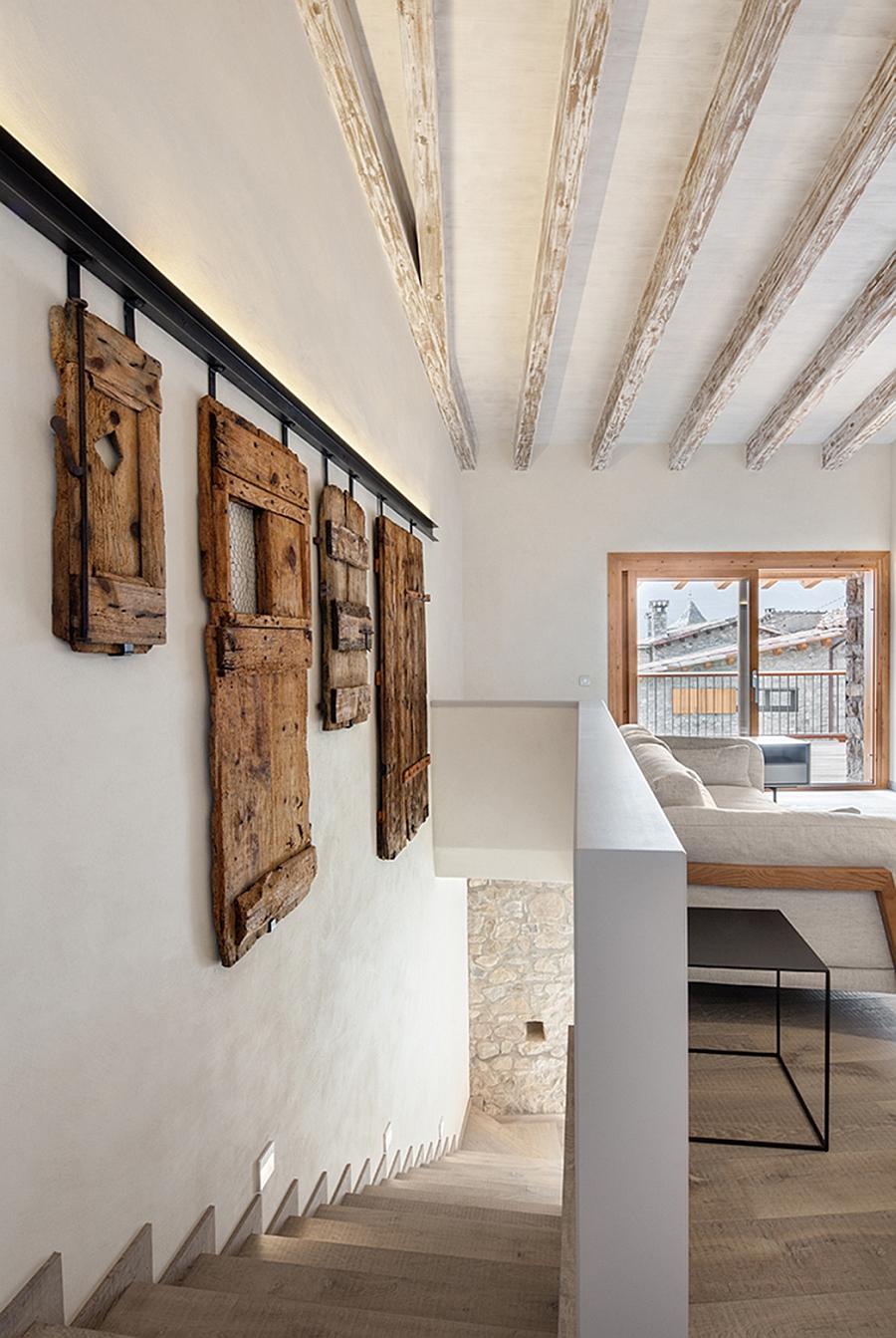 Masia espanola convertida en una casa moderna 10