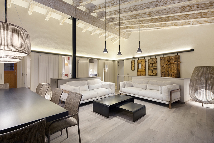 Masia espanola convertida en una casa moderna 2