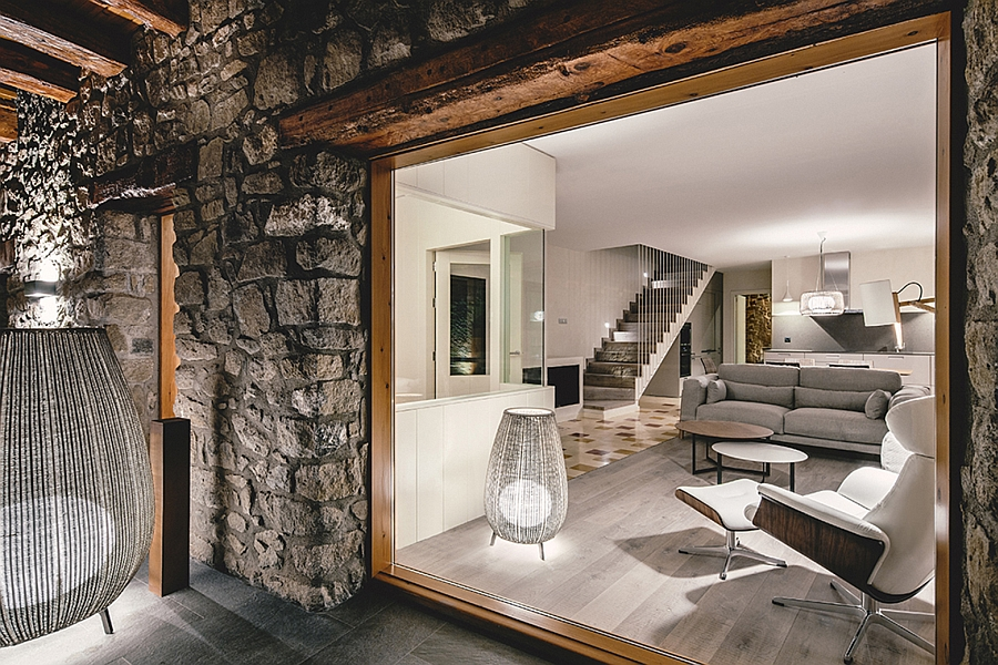 Masia espanola convertida en una casa moderna 6
