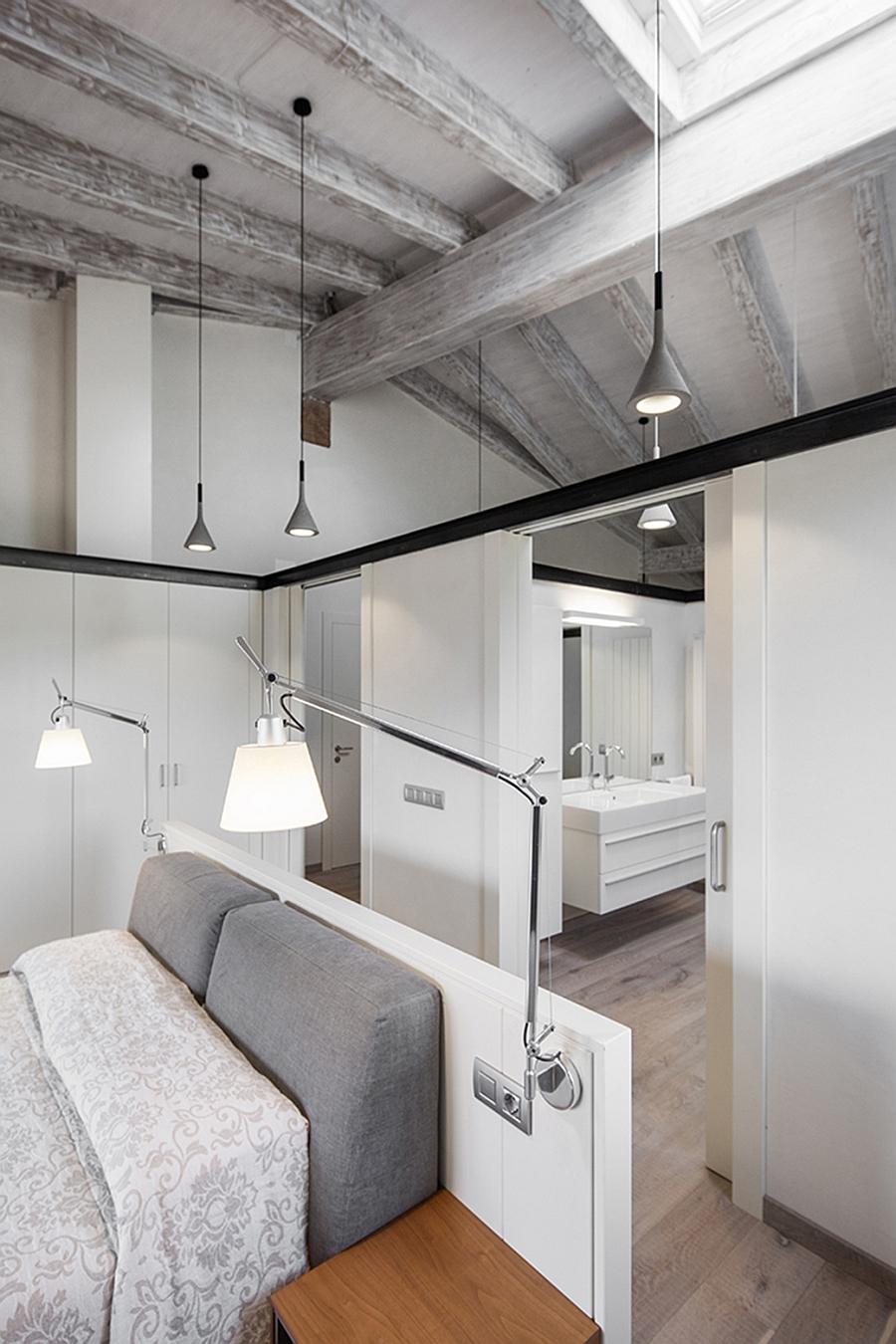 Masia espanola convertida en una casa moderna 8