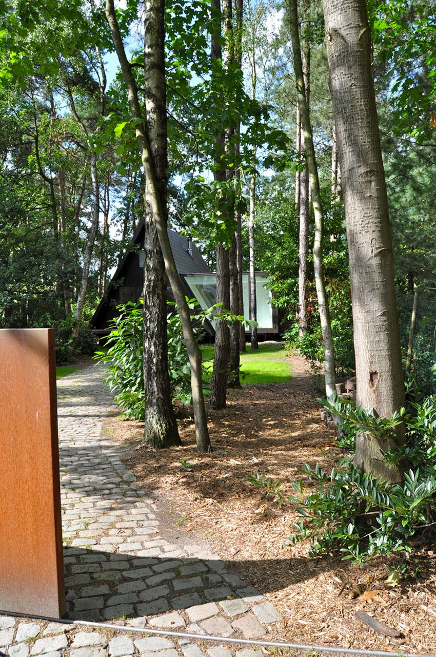 Preciosa cabana en mitad de un bosque belga de estilo minimalista 2