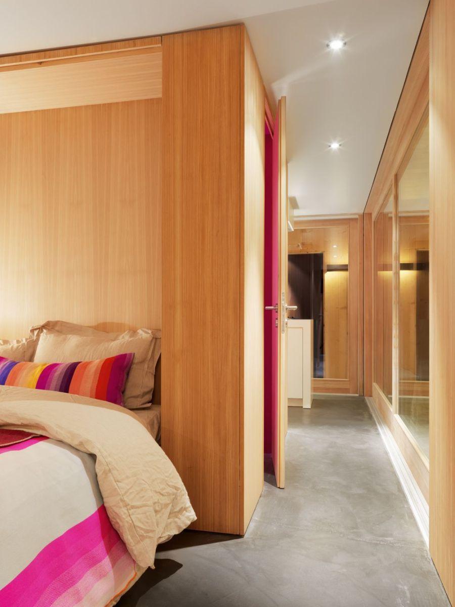 Refugio militar suizo convertido en una casa modernista alpina 15