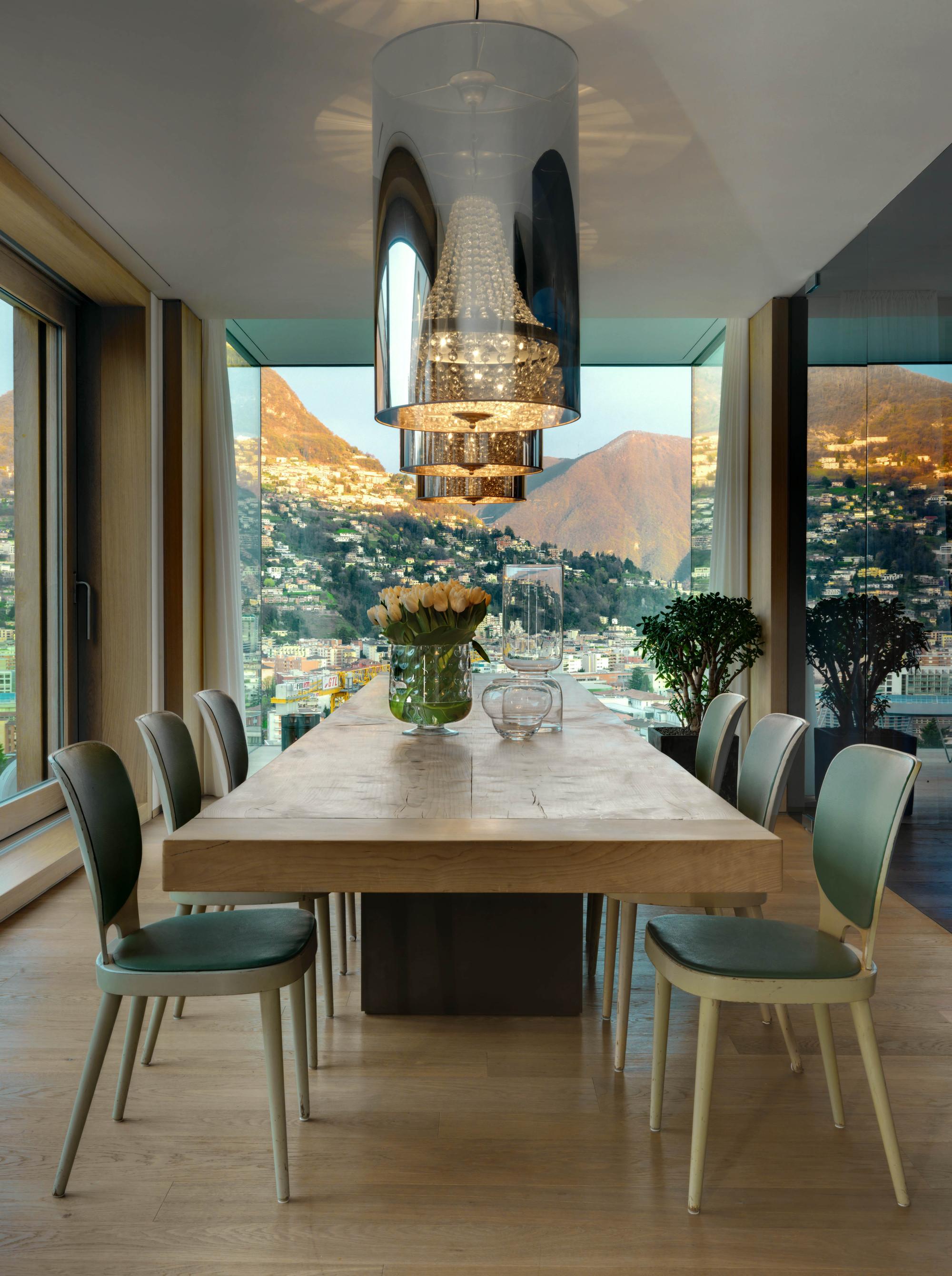 Urbanización de lujo con una fachada hecha de cubos de cristal 11