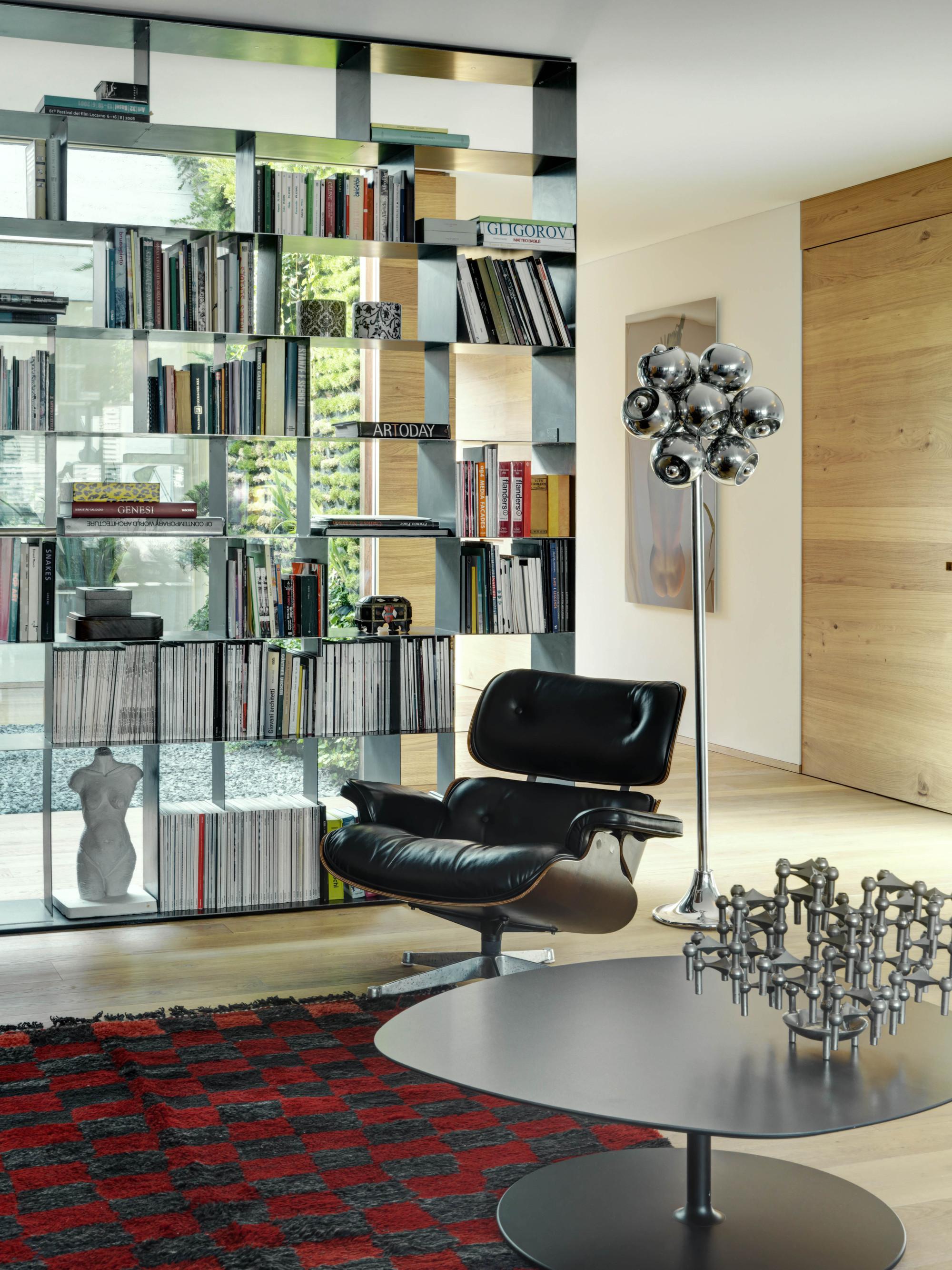 Urbanización de lujo con una fachada hecha de cubos de cristal 16