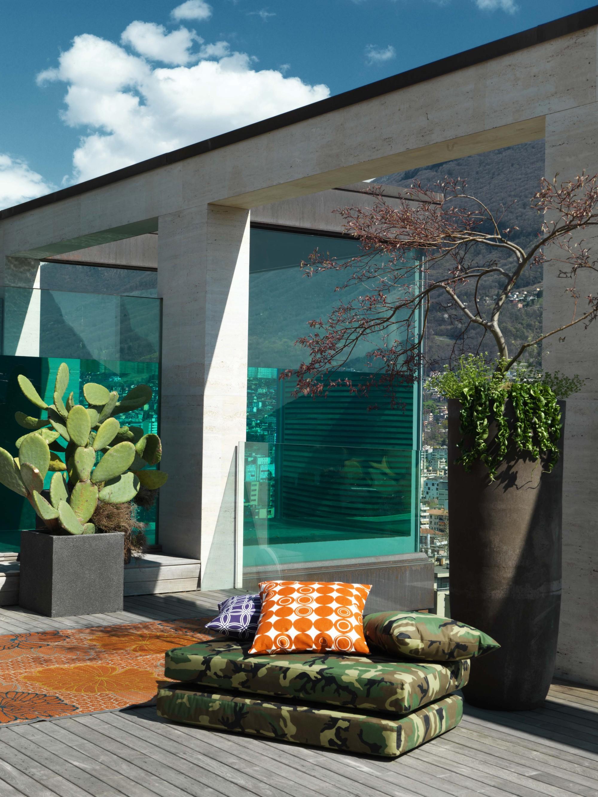 Urbanización de lujo con una fachada hecha de cubos de cristal 20