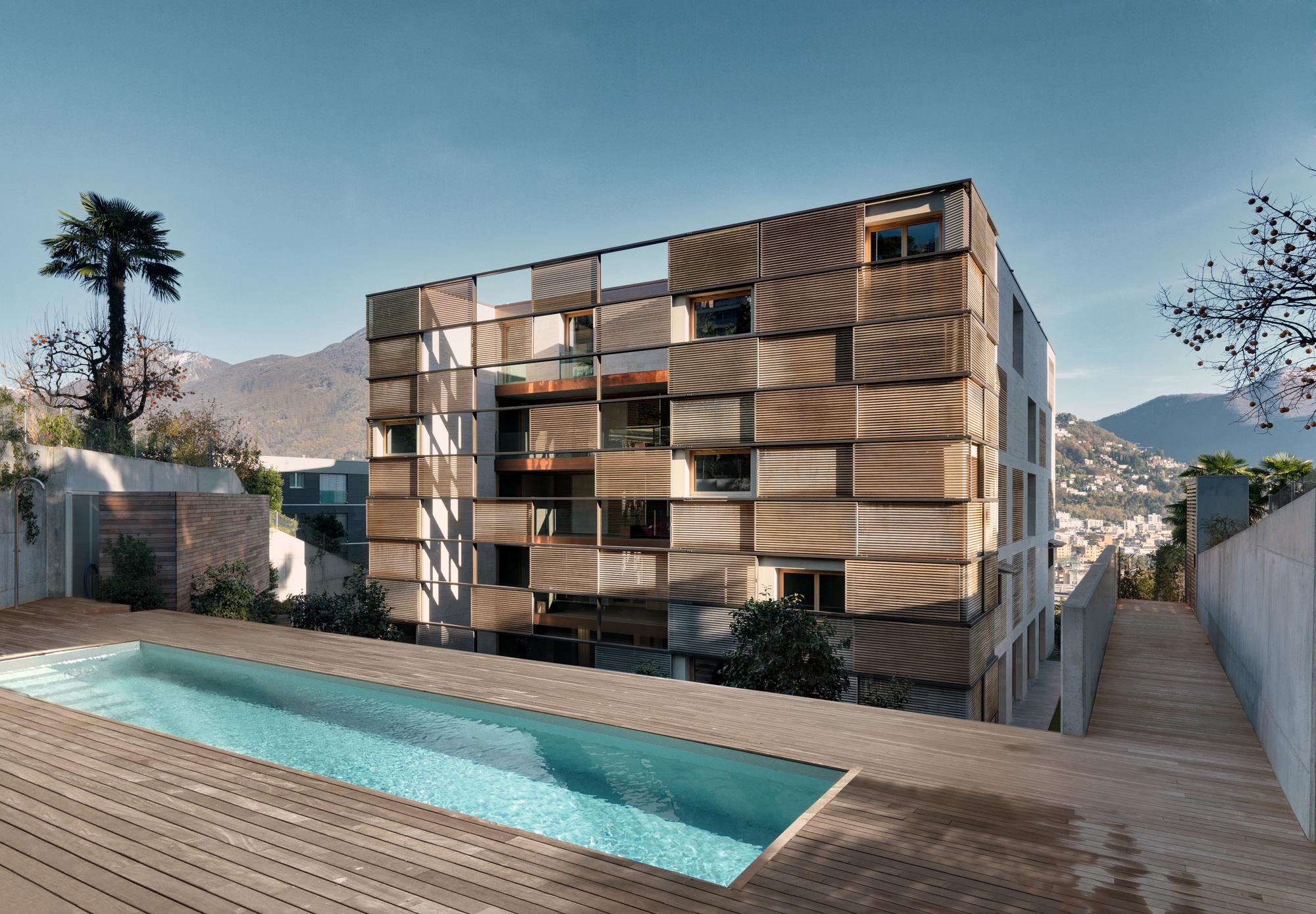 Urbanización de lujo con una fachada hecha de cubos de cristal 4