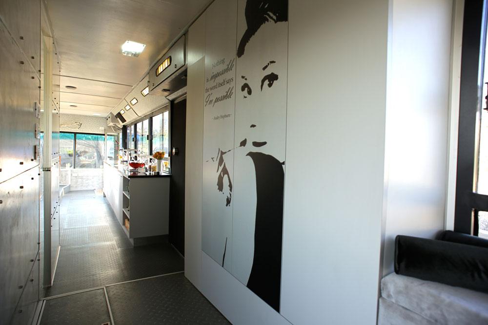 autobus viejo convertido en casa 7