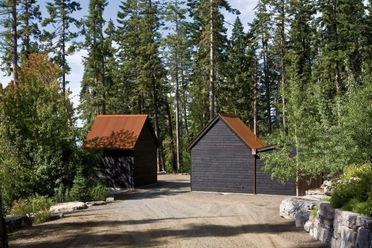 casa de campo roca y madera 11