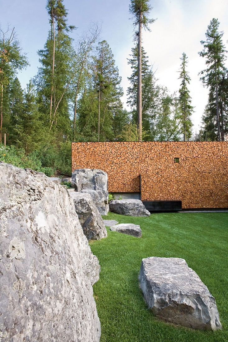 casa de campo roca y madera 3