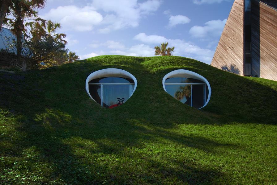 Cuando los huracanes atacan, la mejor solución es construirse una casa hobbit 7