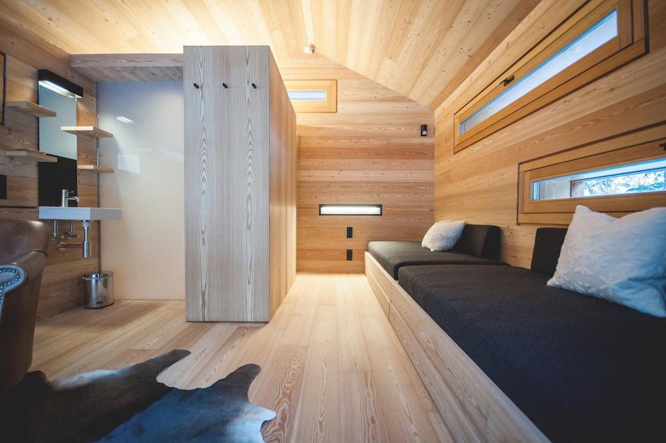 Refugio alpino hecho en madera con un toque moderno 18