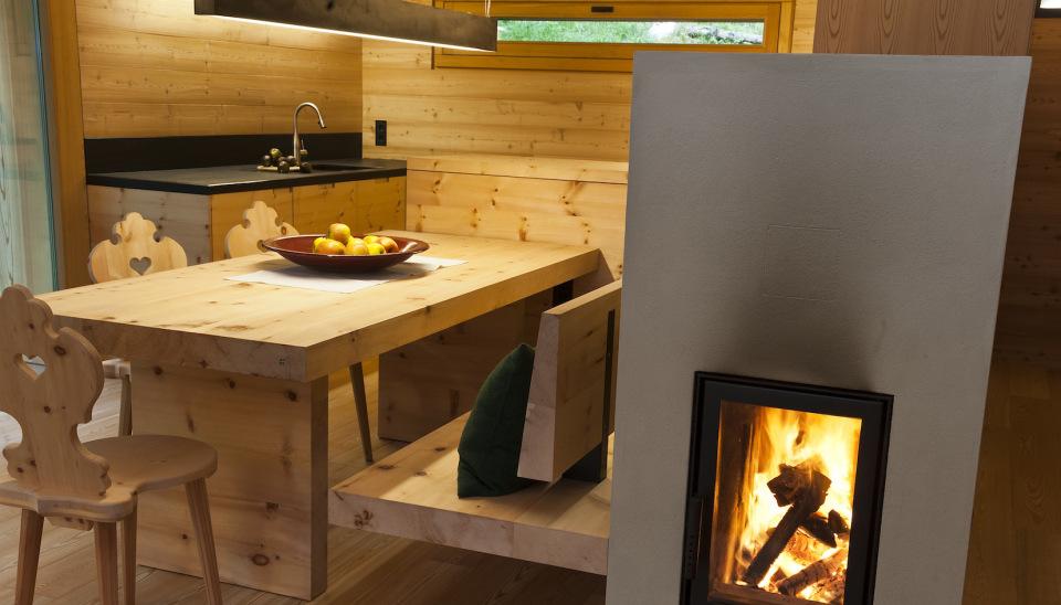 Refugio alpino hecho en madera con un toque moderno 9