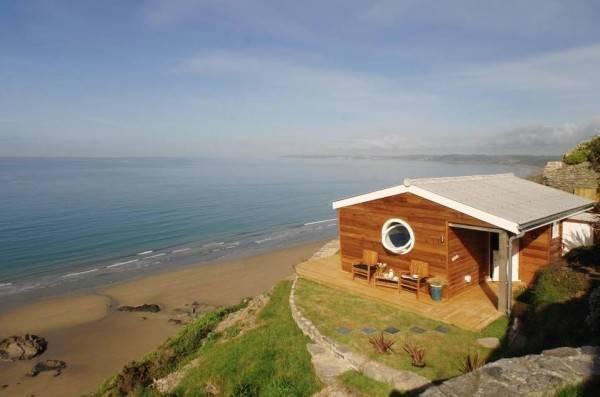Una pequeña casa rural con encanto situada al lado del océano 12