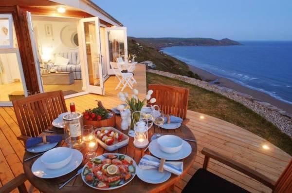 Una pequeña casa rural con encanto situada al lado del océano 2