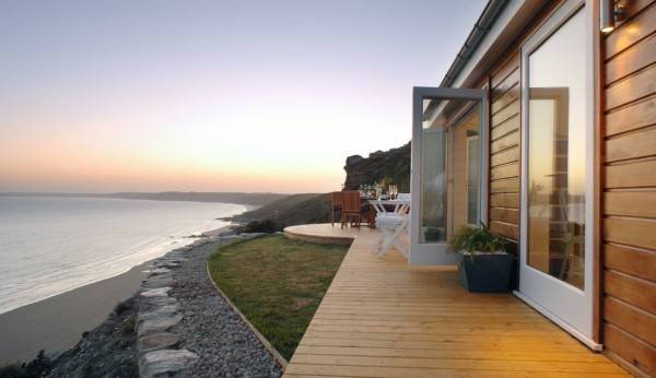 Una pequeña casa rural con encanto situada al lado del océano 3