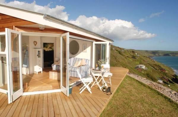 Una pequeña casa rural con encanto situada al lado del océano 5