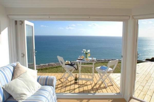 Una pequeña casa rural con encanto situada al lado del océano 6