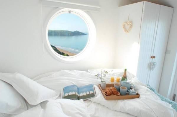 Una pequeña casa rural con encanto situada al lado del océano 9