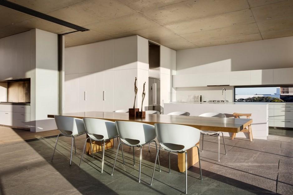 Apartamento de verano que se fusiona con sus vistas gracias a su diseño geométrico 12