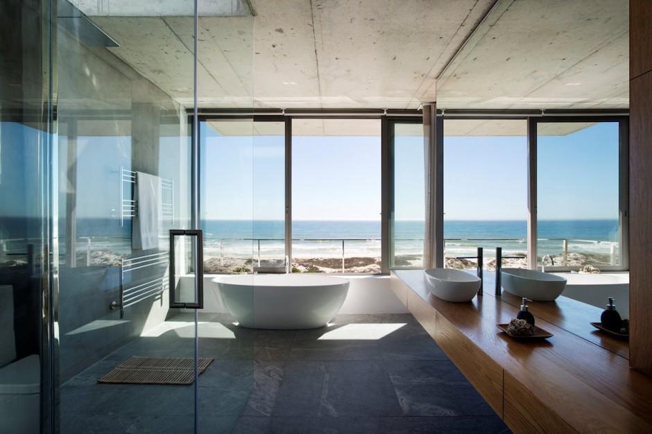 Apartamento de verano que se fusiona con sus vistas gracias a su diseño geométrico 16