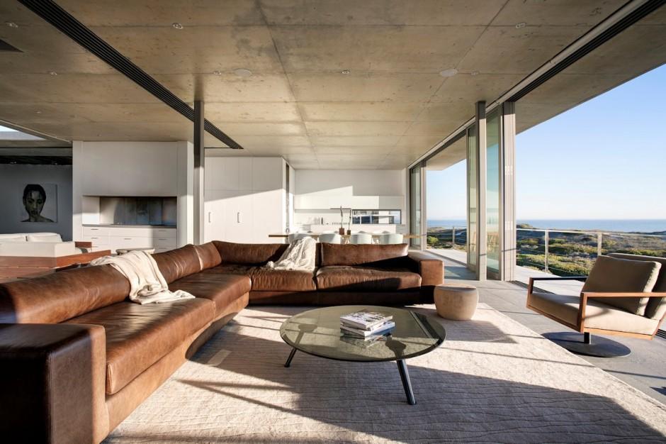 Apartamento de verano que se fusiona con sus vistas gracias a su diseño geométrico 7