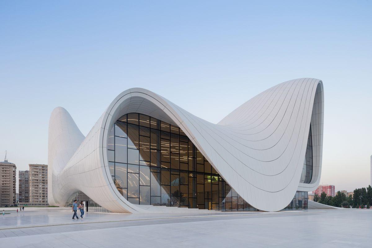 Heydar Aliyev Center, obra de Zaha Hadid