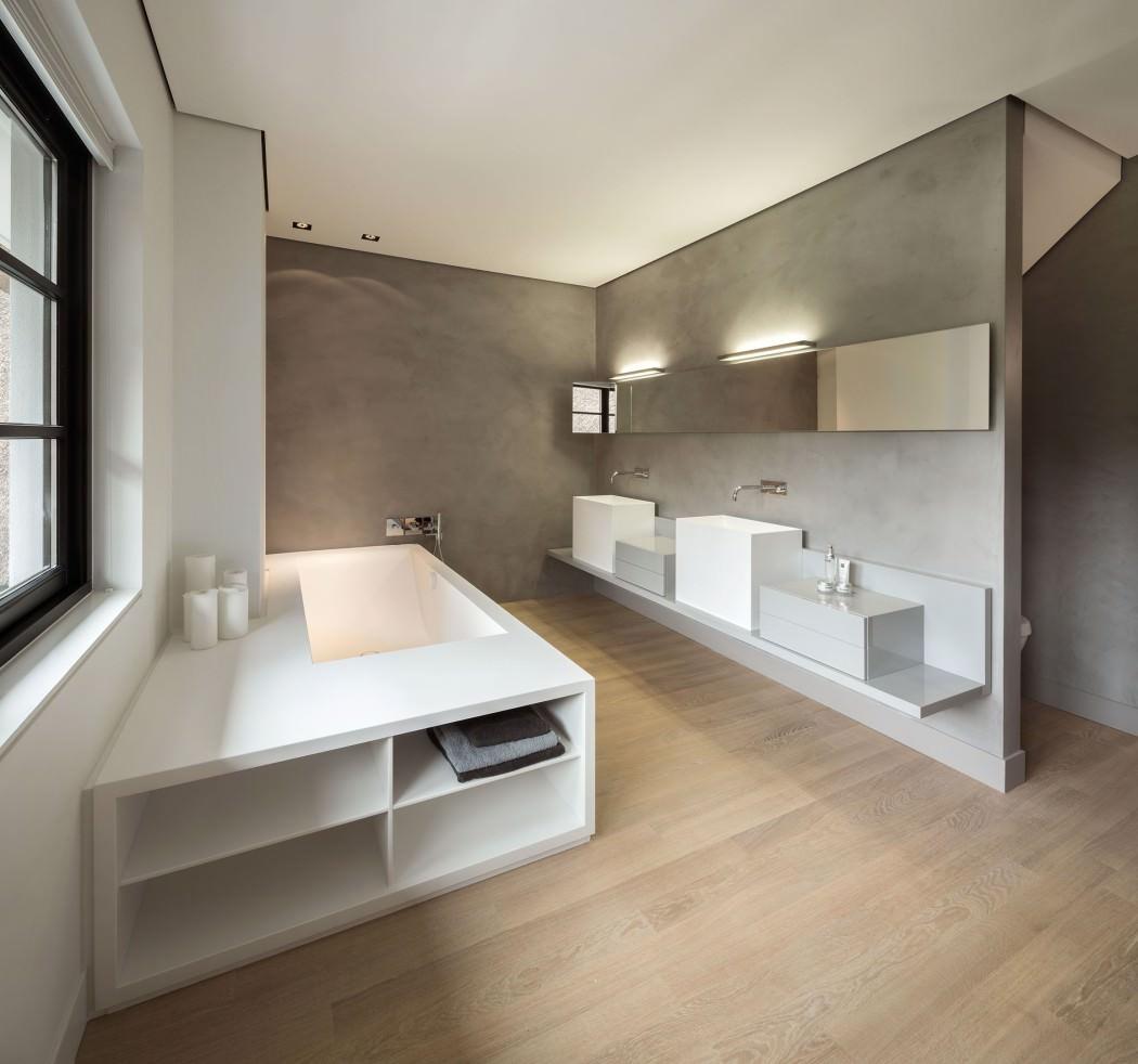 Casa de campo moderna y transparente con un interior único